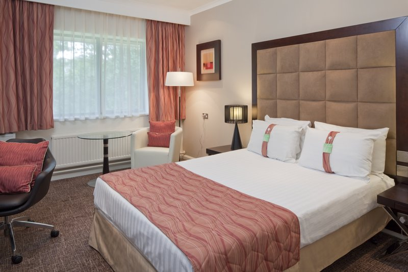 Holiday Inn Telford - Ironbridge-Relax in one of our comfortable standard guest rooms<br/>Image from Leonardo