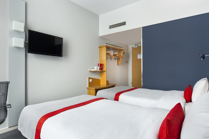 Holiday Inn Express Dortmund-Comfortable Twin Bed Guest Room<br/>Image from Leonardo