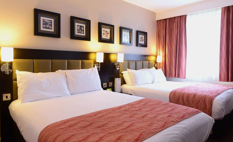 Holiday Inn Telford - Ironbridge-Room for all the family<br/>Image from Leonardo