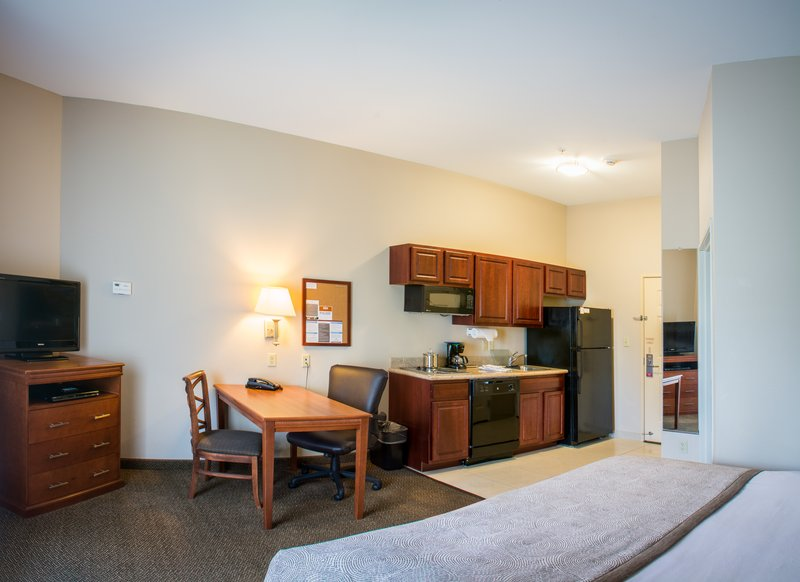 Candlewood Suites South Bend Airport-King Studio Suite with Full Kitchen, Work Desk and DVD Player<br/>Image from Leonardo