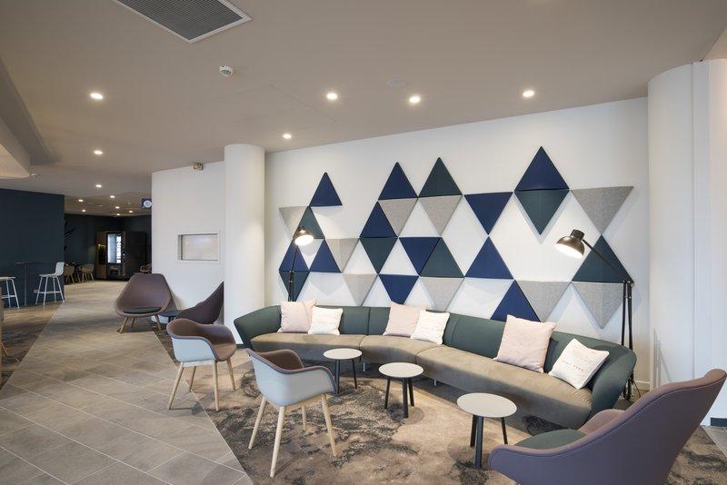 Holiday Inn Express Paris - CDG Airport-Reception<br/>Image from Leonardo