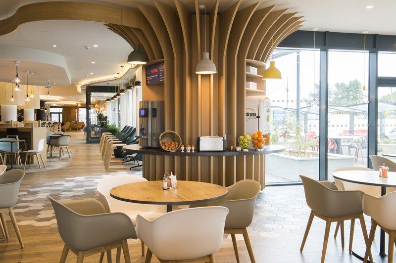 Holiday Inn Express Paris - CDG Airport-Breakfast<br/>Image from Leonardo