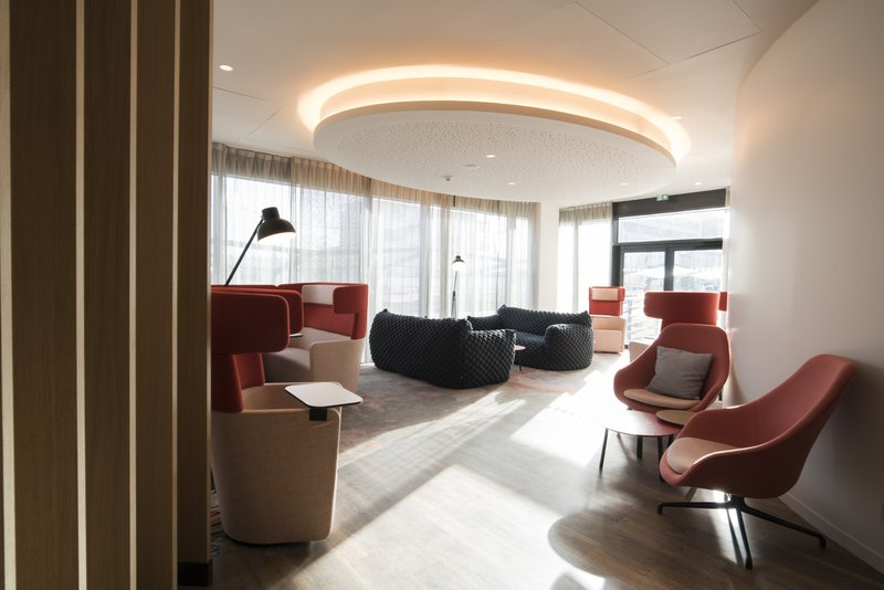 Holiday Inn Express Paris - CDG Airport-Guest Lounge <br/>Image from Leonardo