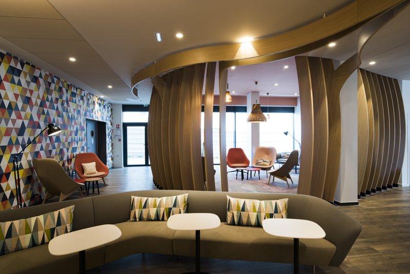 Holiday Inn Express Paris - CDG Airport-Bar<br/>Image from Leonardo