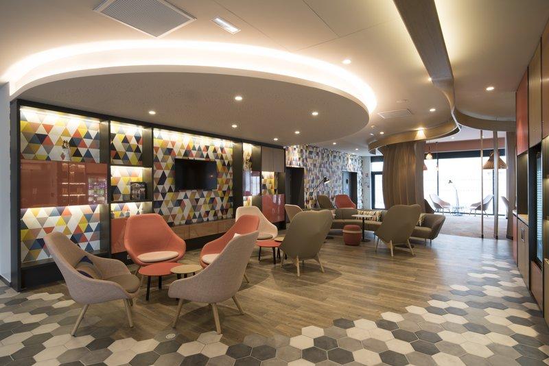 Holiday Inn Express Paris - CDG Airport-Sports Bar<br/>Image from Leonardo