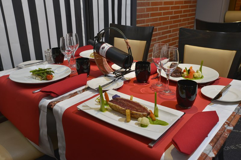Crowne Plaza Toulouse-Our restaurant 7 du Plaza - Open every day<br/>Image from Leonardo