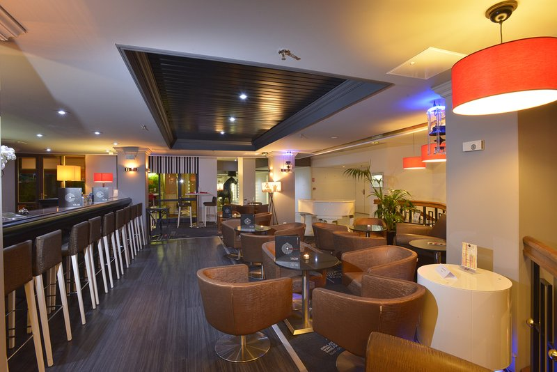 Crowne Plaza Toulouse-Our musical Bar du Plaza<br/>Image from Leonardo