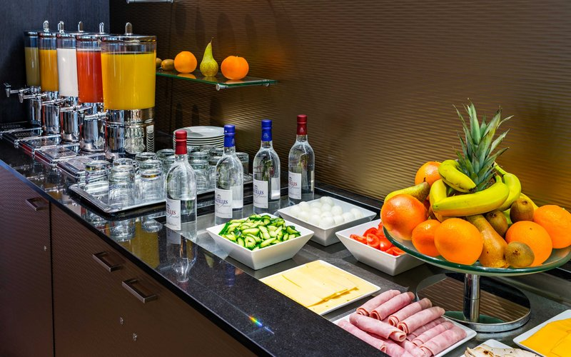 Holiday Inn Toulouse Airport-American Breakfast<br/>Image from Leonardo