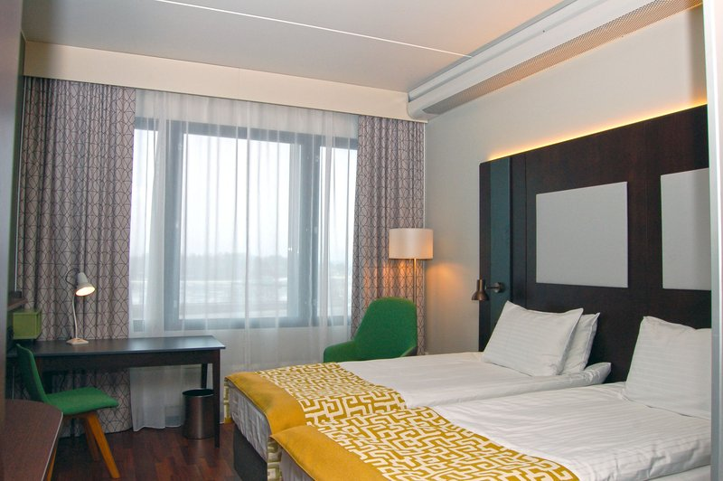 Holiday Inn Helsinki - West -Ruoholahti-Standard Twin room comes with two 100 cm beds<br/>Image from Leonardo