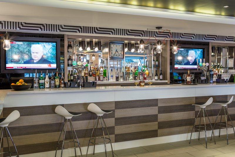 Holiday Inn London - Watford Junction-Holiday Inn London Watford Junction Bar<br/>Image from Leonardo