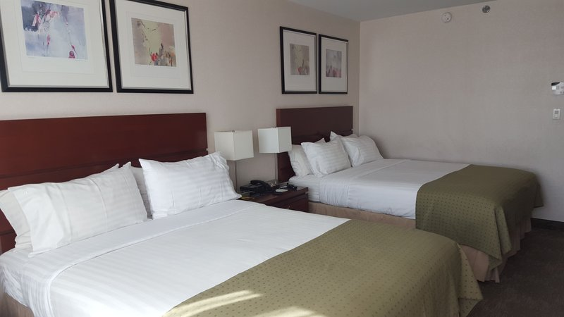 Holiday Inn L.I. City-Manhattan View-Two queen size beds and a mini fridge<br/>Image from Leonardo