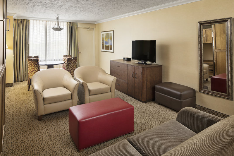 Crowne Plaza Louisville Airport Expo Center-Parlor Suite with Balcony<br/>Image from Leonardo