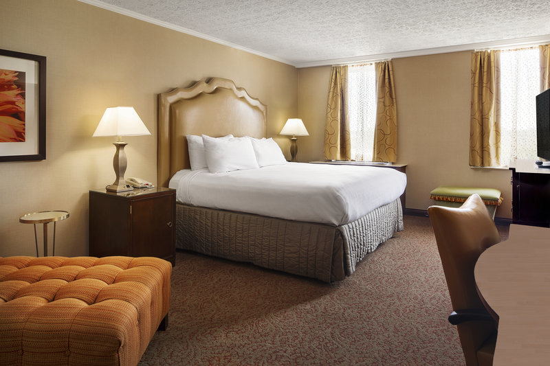 Crowne Plaza Louisville Airport Expo Center-Presidential Suite Bedroom<br/>Image from Leonardo