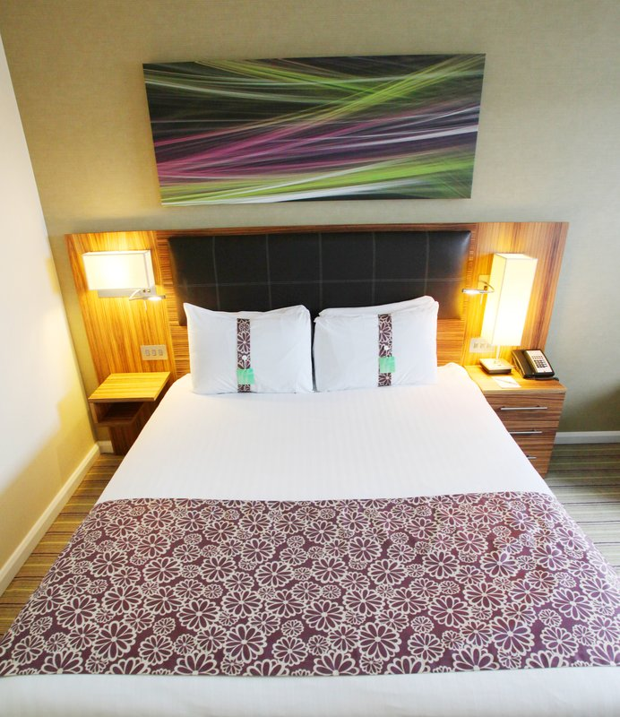Holiday Inn Reading - M4, Jct. 10-Single Bed Guest Room<br/>Image from Leonardo