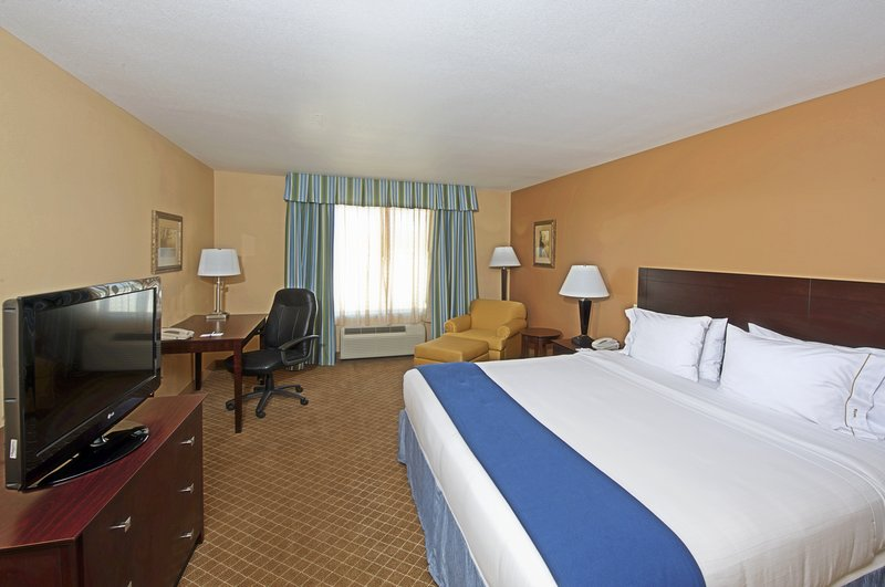 Holiday Inn Express & Suites Tucson-Single Bed Guest Room<br/>Image from Leonardo