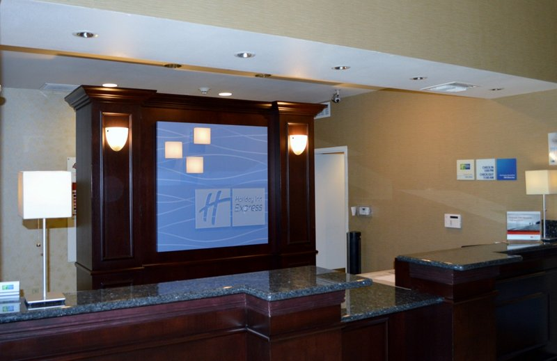 Holiday Inn Express & Suites Tucson-Front Desk<br/>Image from Leonardo