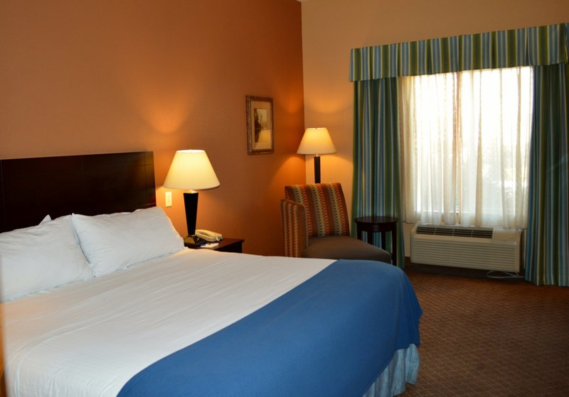Holiday Inn Express & Suites Tucson-Guest Room<br/>Image from Leonardo