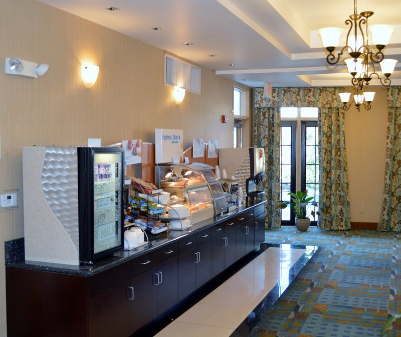 Holiday Inn Express & Suites Tucson-Breakfast Bar 2<br/>Image from Leonardo