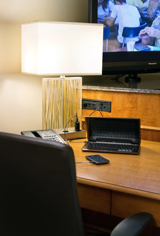 Crowne Plaza Minneapolis West-Connectivity and Power For Today's Electronic Needs<br/>Image from Leonardo