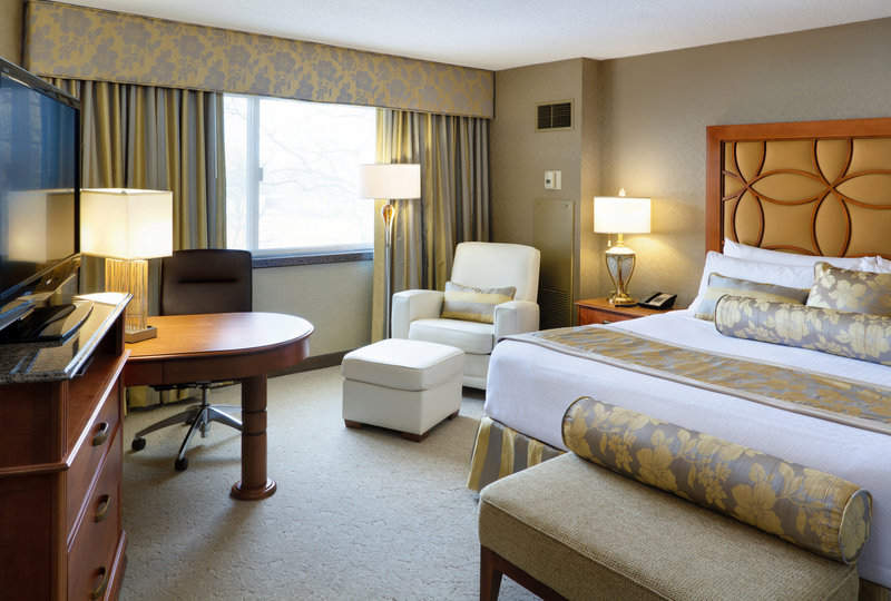 Crowne Plaza Minneapolis West-Guest Room<br/>Image from Leonardo