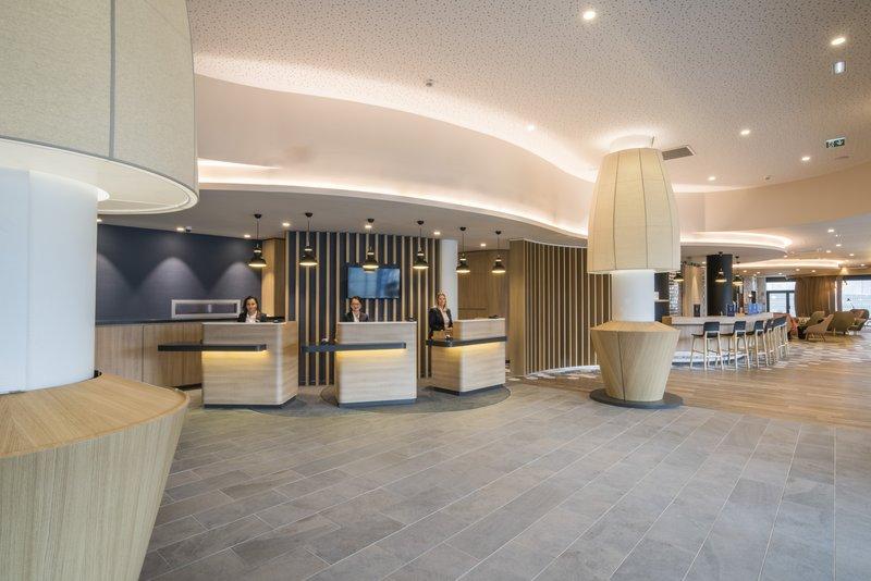 Holiday Inn Express Paris - CDG Airport-Front Desk<br/>Image from Leonardo