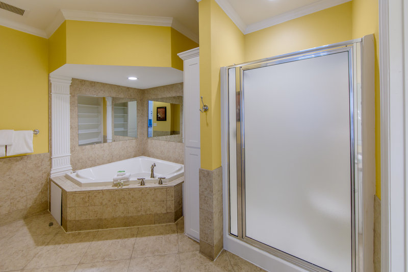 Holiday Inn Club Vacations Galveston Beach Resort-Private bathroom with shower <br/>Image from Leonardo