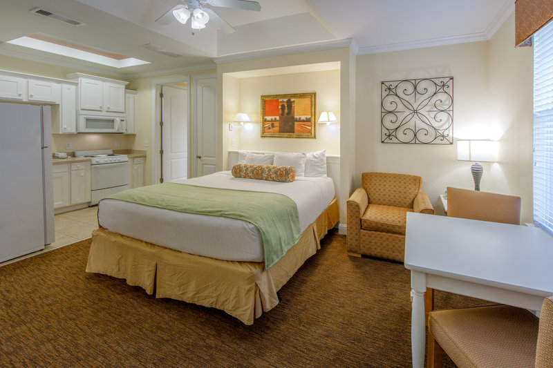 Holiday Inn Club Vacations Galveston Beach Resort-Drift off to sleep in a king sized bed <br/>Image from Leonardo