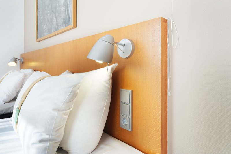 Holiday Inn Helsinki - Vantaa Airport-Accessible guest room has alert system available<br/>Image from Leonardo