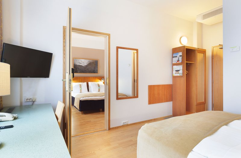 Holiday Inn Helsinki - Vantaa Airport-If you wish to have more room space, ask for adjoining rooms.<br/>Image from Leonardo