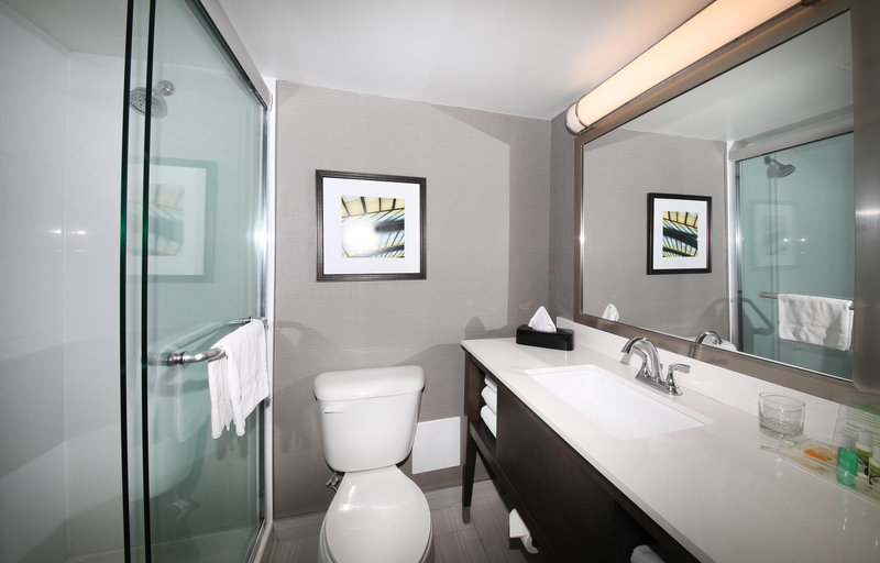 Holiday Inn Peterborough-Waterfront-Guest Bathroom<br/>Image from Leonardo