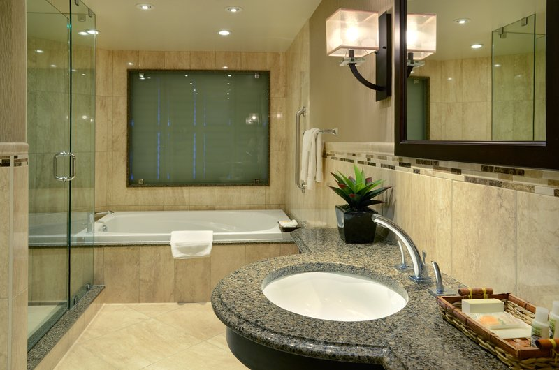 Holiday Inn Peterborough-Waterfront-Jacuzzi Tub in King Rm # 450<br/>Image from Leonardo