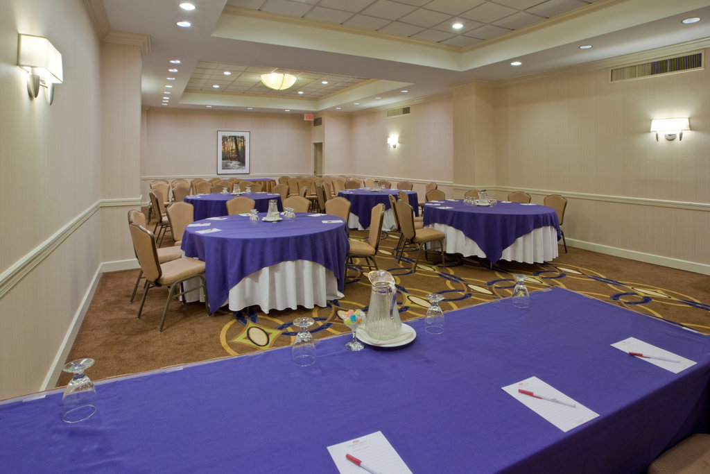 Crowne Plaza Old Town Alexandria-Spacious Rooms For All Events With First Class Service<br/>Image from Leonardo