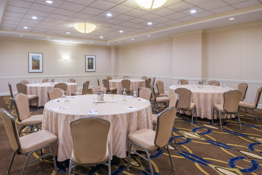 Crowne Plaza Old Town Alexandria-East Banquet Room<br/>Image from Leonardo