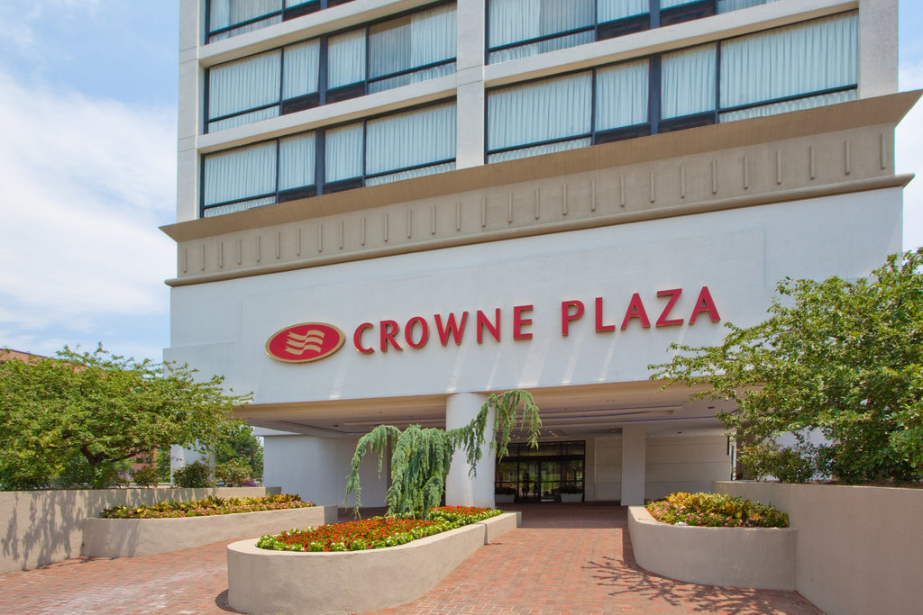 Crowne Plaza Old Town Alexandria-Entrance<br/>Image from Leonardo