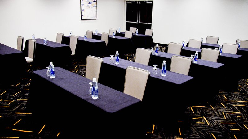 Crowne Plaza Downtown Denver-Red Cloud Meeting Room<br/>Image from Leonardo