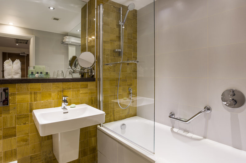 Holiday Inn London - Watford Junction-End your day with a long relaxing bath<br/>Image from Leonardo