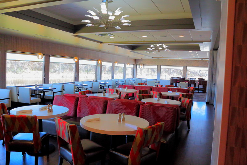 Holiday Inn Milwaukee Riverfront-Brand New Riverfront Dining<br/>Image from Leonardo