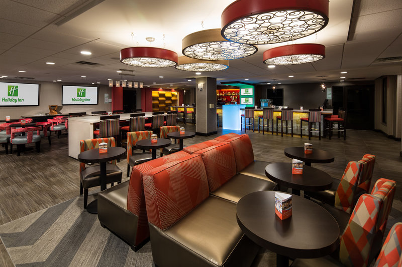 Holiday Inn Milwaukee Riverfront-Modern New Riverfront Lounge<br/>Image from Leonardo