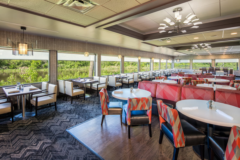 Holiday Inn Milwaukee Riverfront-Anchorage Restaurant at Holiday Inn Milwaukee Riverfront<br/>Image from Leonardo