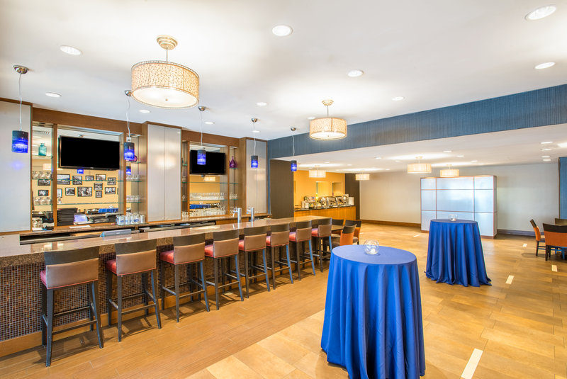 Crowne Plaza Boston - Newton-Restaurant<br/>Image from Leonardo