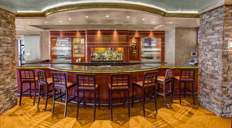 Crowne Plaza Executive Center Baton Rouge-Come join us for a local brew at the Patio Lounge<br/>Image from Leonardo