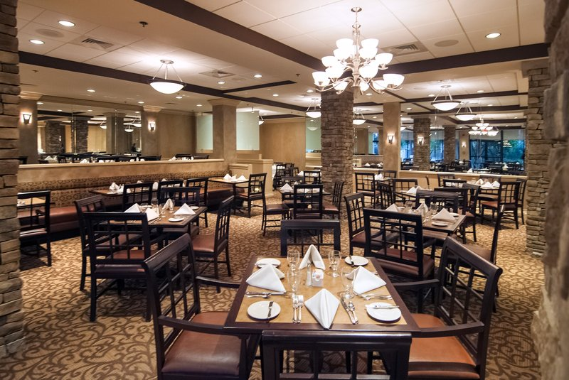 Crowne Plaza Executive Center Baton Rouge-Enjoy breakfast, lunch and dinner with us!<br/>Image from Leonardo
