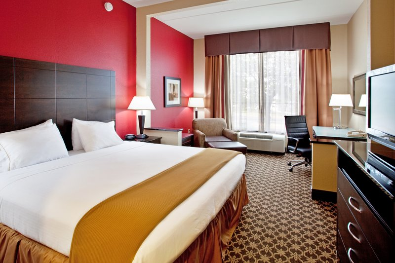 Holiday Inn Express & Suites Columbia - Downtown-Holiday Inn Express Columbia SC King Bed Guest Room<br/>Image from Leonardo