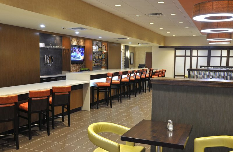 Holiday Inn Hotel & Suites Charleston West-Mosa Cafe & Grille<br/>Image from Leonardo