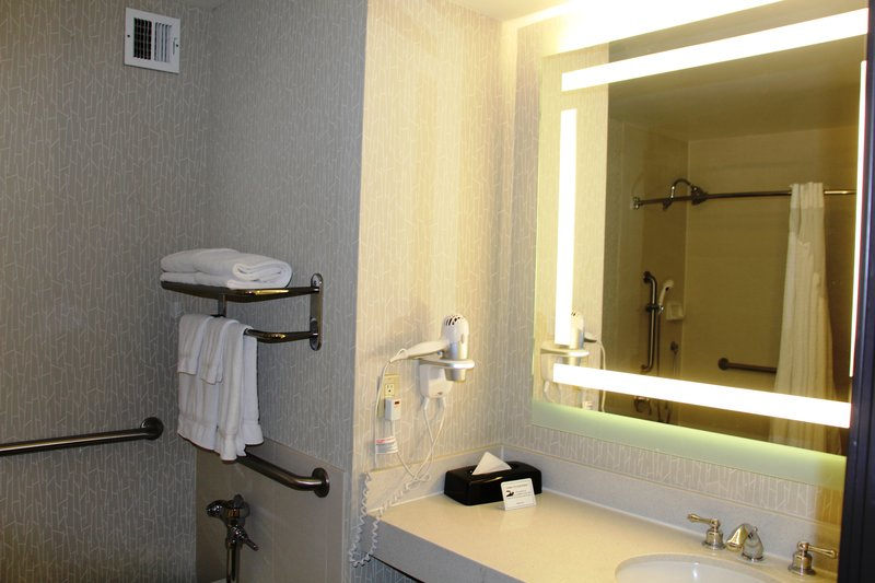 Holiday Inn Buena Park-Near Knott's-Bathroom - 2 Queen Bed Suite with Shower<br/>Image from Leonardo