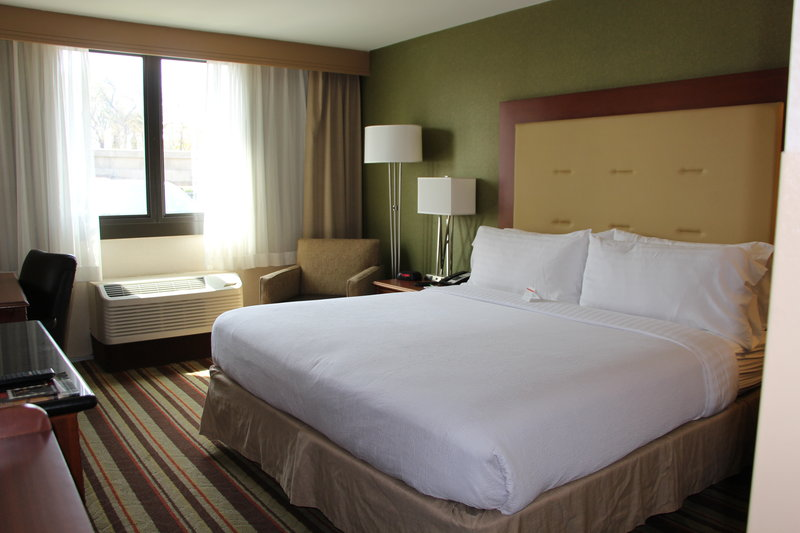 Holiday Inn Buena Park-Near Knott's-King Mobility Accessible Nonsmoking Room with  Tub<br/>Image from Leonardo