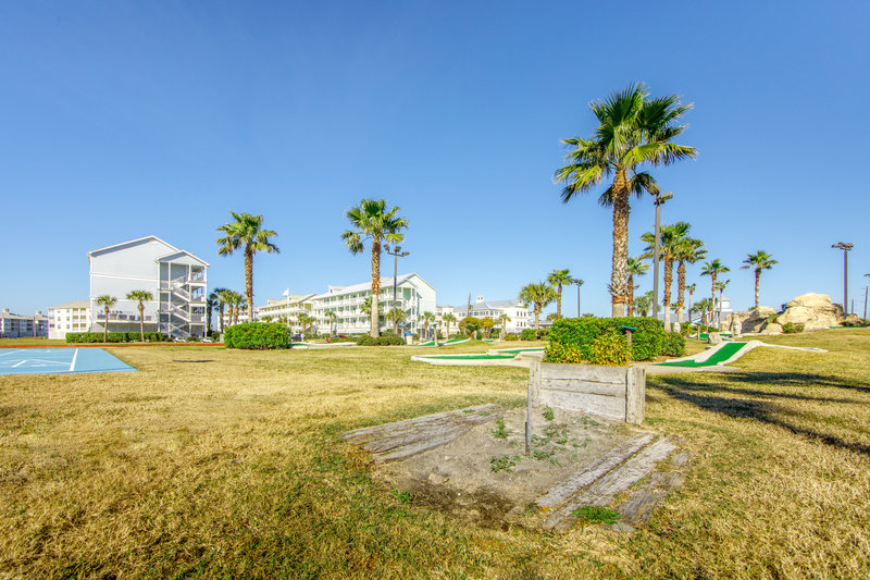 Holiday Inn Club Vacations Galveston Beach Resort-Play a game of horseshoes <br/>Image from Leonardo