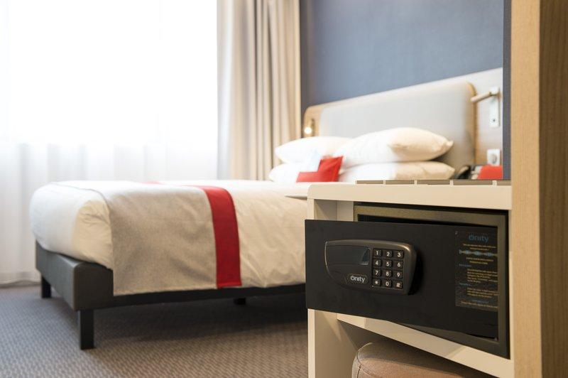 Holiday Inn Express Paris - CDG Airport-Safe deposit<br/>Image from Leonardo