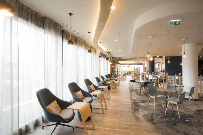 Holiday Inn Express Paris - CDG Airport-Lobby<br/>Image from Leonardo