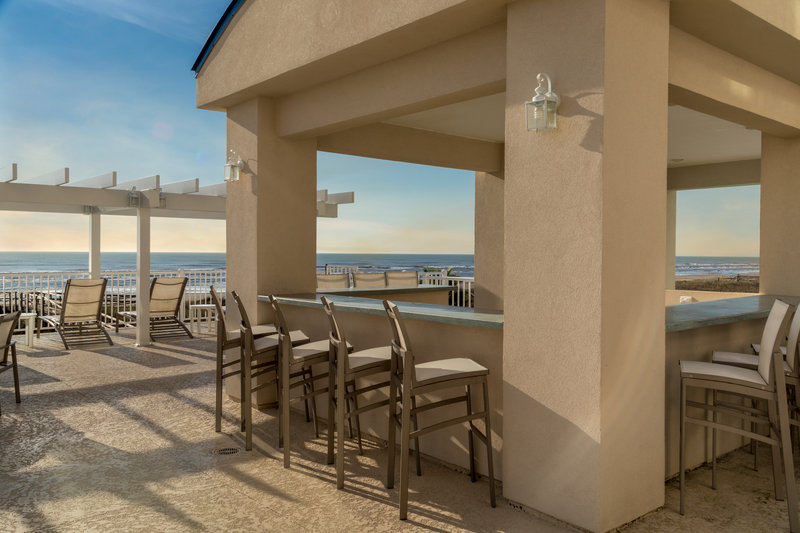 Holiday Inn Club Vacations Galveston Beach Resort-Walk up pool bar at the Signature Collection pool <br/>Image from Leonardo